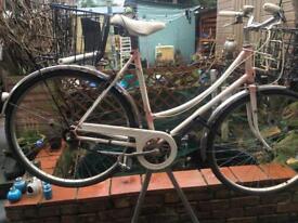 Raleigh ladies town bike 40yrs old