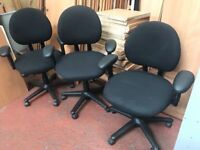 Black Computer Chairvwith Arms