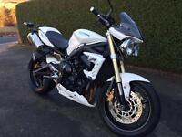 Triumph street triple - excellent condition - Honda , Yamaha , Suzuki , Ducati motorbike
