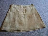 Tan suede skirt (6-8)
