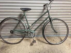 SERVICED VINTAGE HERCULES LADIES TOWN BIKE- FREE DELIVERY TO OXFORD!