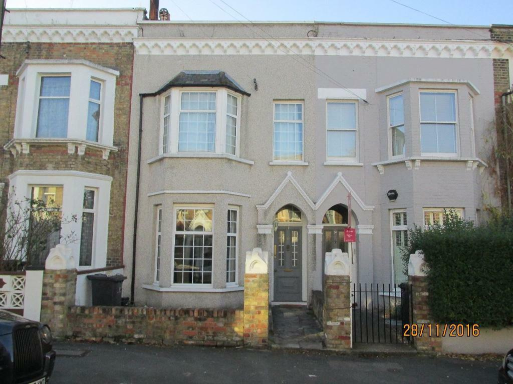 4 bedroom house in Medora Road, Brixton Hill, London, SW2 2LN