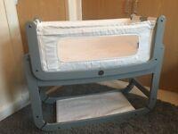 SNUZ POD 2 IMMACULATE like new DOVE GREY including mattress, waterproof mattress and sheets