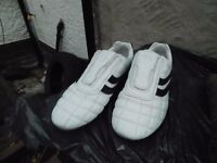 SPORTS SHOES LONSDALE SIZE 10 IN GOOD CON ONLY £5 !!