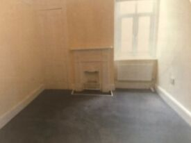 FLAT TO LET, New Two bed room Flat ,RG21 7NU ,Close to town centre,£795.00 pcm