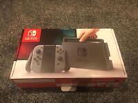 Nintendo Switch + 2 Games + Case
