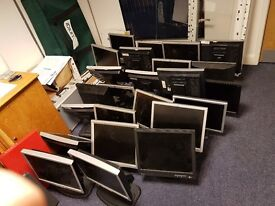 """17"""" computer monitors £10 with all leads"""