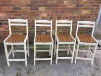 4 Bar/kitchen stools
