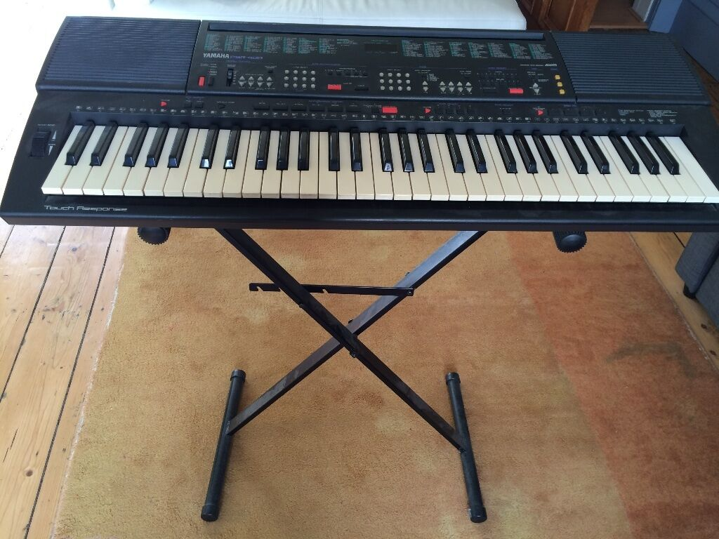yamaha psr 400 electric keyboard with stand in dundee. Black Bedroom Furniture Sets. Home Design Ideas