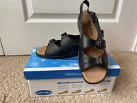 Free Step Sandals
