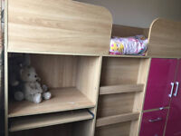 Cabin bed for girl