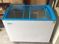 Novum shop display chest freezer