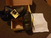 Brand New Dunlop Safety Shoes, pristine quality