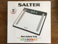 [Very attractive] Salter Digital bathroom scales (Brand New)