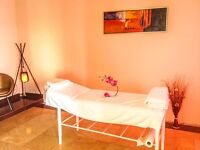 Proffesional Full Body RElaxing Massage & New Frendly Staff Proffesional Table