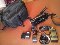 PANASONIC VIDEO CAMERA+ACCESSORIES INC BAG.