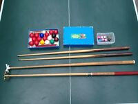 SNOOKER TABLE 3x6ft, all 17 BALLS,CUES, SPIDER, BRIDGE,EXTENSIONS, FREE DELIVERY in bristol area