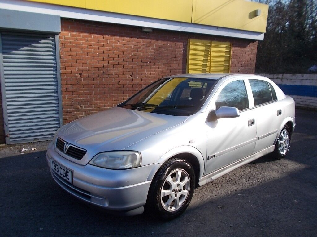 Vauxhall Astra 1.6 club mot to July drives nice bargain price