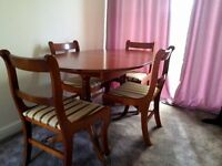 Schrieber Extendable Table and 4 chairs. Good condition. 92cm x 144 cm.