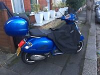 Amazing, Like New Vespa GTS 125LE
