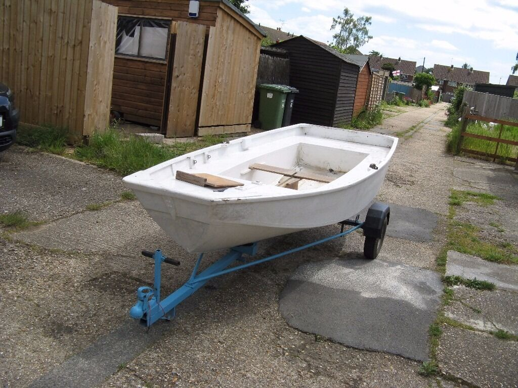 Old mirror dinghy for use as a yacht tender rowing for Mirror yacht