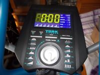 York (X202) Elliptical Cross Trainer (Cost £500) Loook****