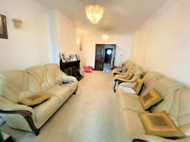 Massive and in excellent condition 8 bedrooms House with Through Lounge and Conservatory in Dulwich
