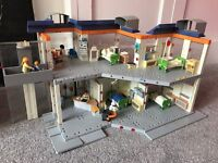 Playmobil Hospital/Clinic with working elevator Excellent Condition