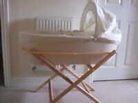 Shnuggle Modern Moses Basket from John Lewis (over £100 new) - barely used for baby