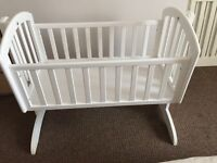 O baby crib with mattress