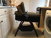Graco Carrycot & Graco Evo Stand
