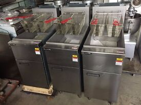 CATERING COMMERCIAL GAS FRYER LPG OR NATURAL GAS TWIN BASKET CAFE RESTAURANT BBQ KEBAB CHICKEN BAR