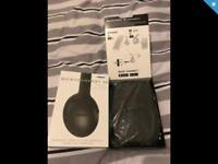Bose QC35 Bluetooth noise cancelling headphones. As new.