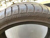 Avon Part Worn Tyre . 235/40YR 18