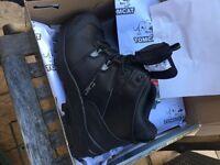 Tomcat work boots size 9