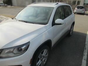 2013 Volkswagen Tiguan Comfortline / AWD / LEATHER / SUNROOF