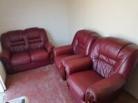Leather 3 piece suite (delivered free)