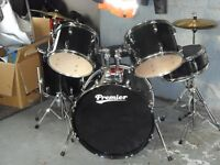 premier olympic drumkit in very good condition hardly used ,comes with siclincer pack