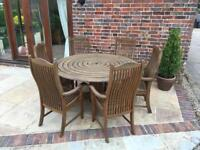 Hardwood Alexander rose round table and 6 chairs