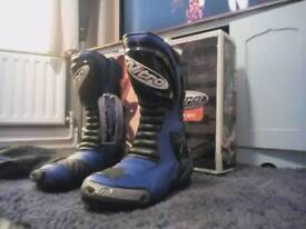 Bike boots.new in box size 8