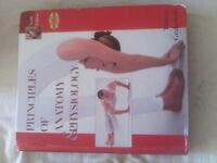 Lots of Dentistry/Medicine university textbooks!!