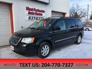 2010 Chrysler Town & Country **DVD ** Leather**