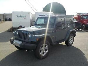 2014 Jeep Wrangler Sahara 4WD with Hard Top and Soft Top
