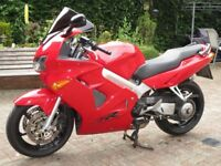 Honda VFR800, 1998, 3 owners, very original, very low mileage (13551), both keys, MoT to 29 April 19