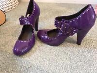 KG purple size 6 heels