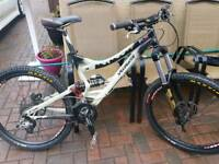 SPECIALIZED sx trail mountain bike. DH BIKE , DOWN HILL/freeride BIKE