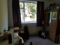Lovely Double Room in flat share in leafy N3