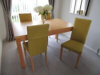 Beautiful Maple Dining Table and 4 matching chairs.