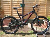 SPECIALIZED Stumpjumper Comp FSR Mountain Bike. 26''wheels. Medium frame. 27 speed.