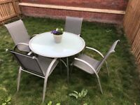 Garden Round Table and 4 Chairs